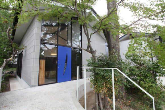 写真:ヴィアトール学園洛星中・高等学校弓道場(外観)