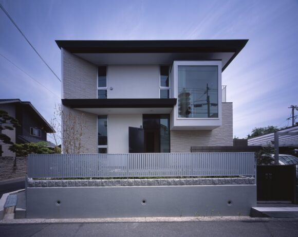 写真:茨木の家(外観)